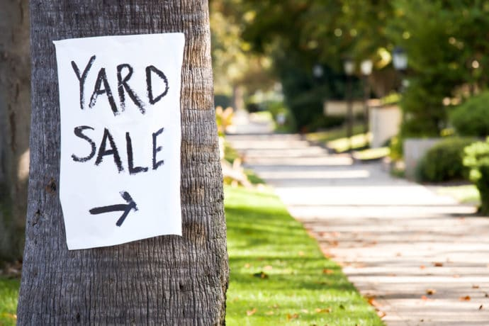 Yard Sales, Sign on Tree, Sidewalk, yards, arrow